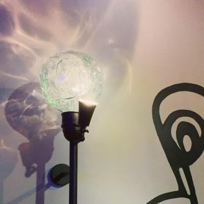 Закончили бра с интересной каустикой. Доступно для заказа👆🏻 #браназаказ#светназаказ#плафоныназаказ#светильники #светильникиназаказ#муранскоестекло #муранскоестеклокупить #стеклодувы#glassblower #glassblowinfollows #стеклодув #стеклодувнаямастерская #стеклодувы ##glassblower#vidrio #дизайнинтерьера #glasmacher #artglass #light #Lightroom #lighthouse #светназаказ #glassblowing  #стеклодувка #освещениеназаказ #firstglassm#перваястеклодувнаямануфактура #стеклодувнаямастерская #стеклодувмоска#бра #необычноебра#craftglassware