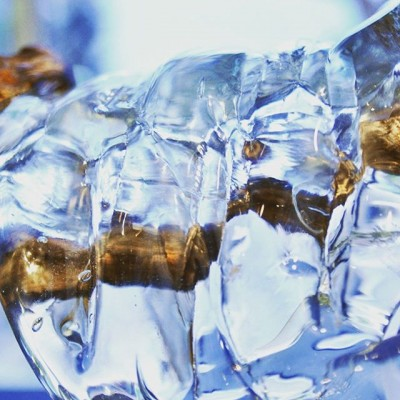 «Воде посвящается» одна из наших работ созданных под чутким руководством @balangallery  P.s.уже продана) #деревоистекло#стеклодувнаямастерская #стеклодувы#glassblowing #glassblowers #стекло#firstglassm #исскуство #творчество #галерея #стеклодув#стеклодувныеработы#художникпостеклу