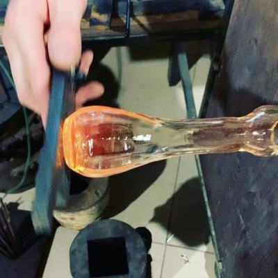 Бутылочки для ресторана #serbs_project . #бутылочки#бутылки#бутылкиназаказ#стеклянныебутылки#индивидуальныебутылки#изготовлениебутылок#дляресторана #glass #glassblowing #glassblower #стеклодув#стеклодувмосква#выдуваниестекла#стеклодувнаямастерская #стеклодувнаямастерскаямосква #hotglass#glassbottle #handmadebotlle