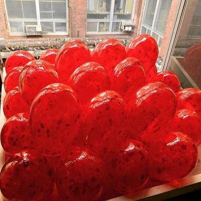 У нас появилось много килограмм замечательной красной крошки.Она почти не выгорает ,сохраняя прежний цвет🔥🔥🔥 #лампадыоптом #лампадыназаказ#церковнаяутварь#реставрация#реставратор#архитектор#светназаказ#освещение#освещениеназаказ#glassblower #glass #hotglass #red #redglass #красноестекло #красный#реставрацияцеркви#лампады_подсвечники #лампадыритуальные#c