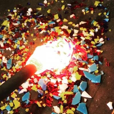 Зима близко🥶  А следовательно и Новый год с елками , шарами и прочими дедами морозами! Мы уже готовимся🎅🏿 #елочныешары#елочныеигрушки #изготовлениеелочныхигрушек #игрушкинаелку #шарынаелку #корпоративныеподарки #новогодниешары#шарыизстекла#шарыназаказ#glassblowing #glass #glasswork #hotglass ##glassmarble #glassstudio #handmadeglass #blownglass #стеклодув#стеклодувмосква
