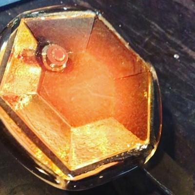 Приехал Дед Мороз и привёз кучу полезных подарков😁 #glassworks #glassblowing #стеклодувы #стеклодувмосква#стекло#литьестекла#призыстеклянные#стеклянныесувениры #стеклодувнаямастерская #glassart #светназаказ #реставрация#реставрациястекла#ремонтстекла#glassblower #стеклодув#стеклодувы#выдуваниестекла#элементыдлялюстры#витражныеэлементы #стеклянныйдекор #hotglass #